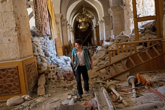 Aleppo-Great-Mosque Plundered, looted heap of fallen ruin